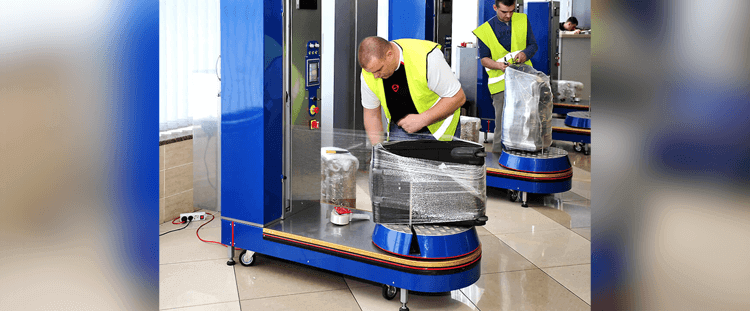 استفاده از دستگاه استرچ پالت در فرودگاه ها جهت بسته بندی لوازم