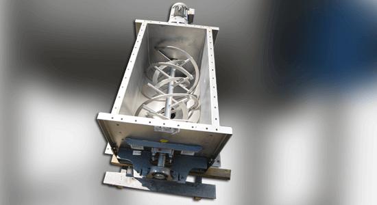 دستگاه بلندر میکسر پودر در شرکت پاشا صنعت البرز با خطای نزدیک به صفر و با استفاده از تمام حجم مخزن انجام می گیرد.